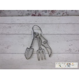 Gartenwerkzeug Schlüsselbund Weiß gewischt Shabby Vintage Gusseisen