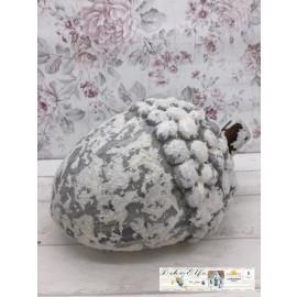 Weihnachtsdekoration Nuss Haselnuss Schneebedeckt Shabby Vintage